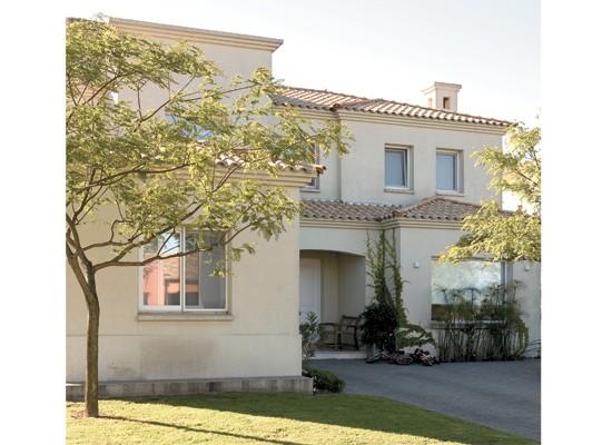 La ciudad de juana d az puerto rico for Fachadas de casas modernas wikipedia