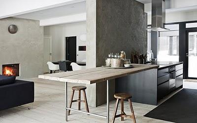 mesa en casa minimalista