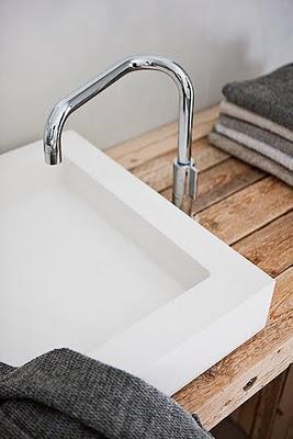 baño minimalista de la casa prefabricada