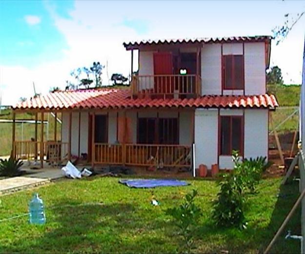 Casas campestres prefabricadas for Fachadas casas de campo campestres