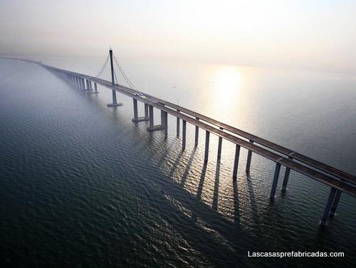 Pilares del puente mas largo del mundo en China