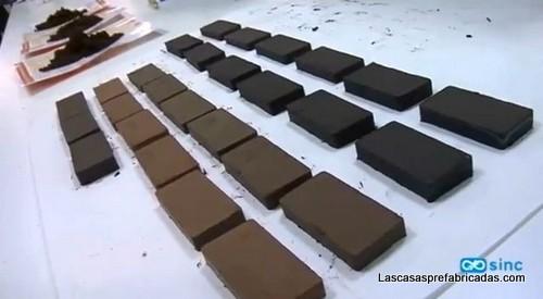 Ladrillos para construcción hechos de derivados de papel