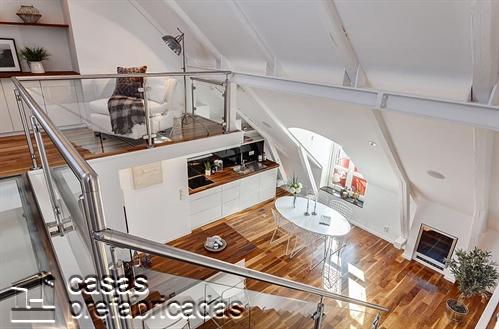 Mezzanine moderno en ambiente métalico combinado con blanco  (29)