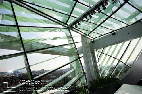 Compleja decoración de interiores en la CDC en Eslovenia (3)