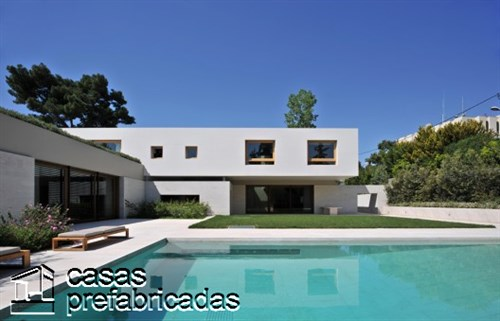 Casa Psychico creación de Iro Bertaki , Christina Loukopoulou y Costis Paniyiris en Atenas Grecia (2)