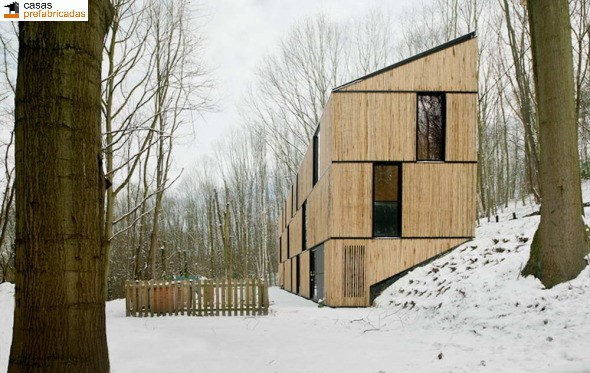 Casa moderna de bambú por arquitectos AST 77 en Rotselar, Bélgica (17)