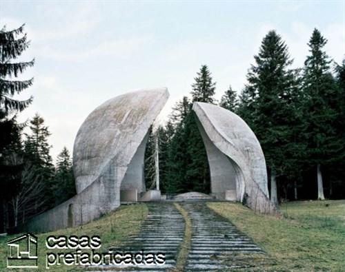 Monumentos durante la guerra en la antigua Yugoslavia (1)