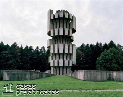 Monumentos durante la guerra en la antigua Yugoslavia (2)