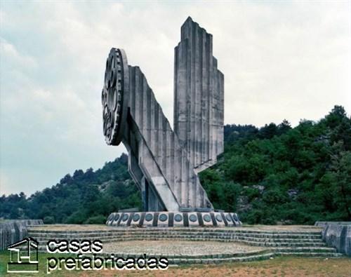 Monumentos durante la guerra en la antigua Yugoslavia (4)
