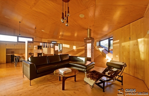 Sala e interiores de la Casa 31_4 Room House (3)
