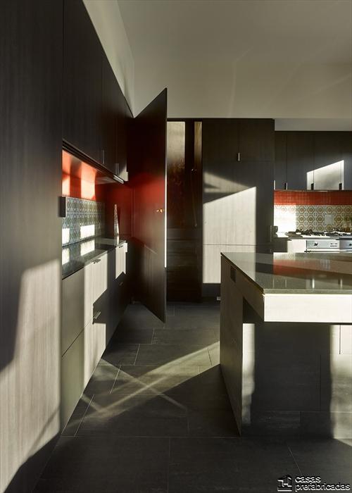 Sala e interiores de la Casa 31_4 Room House (4)