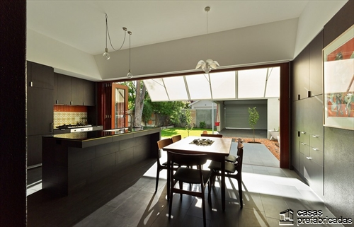 Sala e interiores de la Casa 31_4 Room House (5)