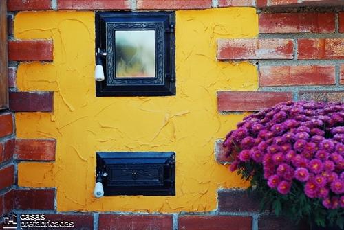 Bellas fachadas que incorporan hornos y cocinas coloniales en sus exteriores (1)