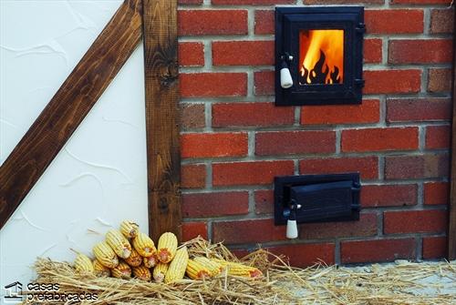 Bellas fachadas que incorporan hornos y cocinas coloniales en sus exteriores (11)
