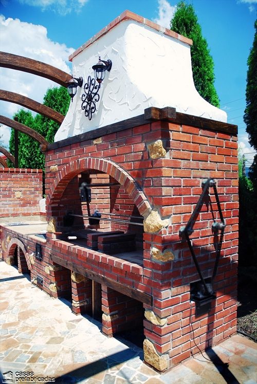 Bellas fachadas que incorporan hornos y cocinas coloniales en sus exteriores (15)