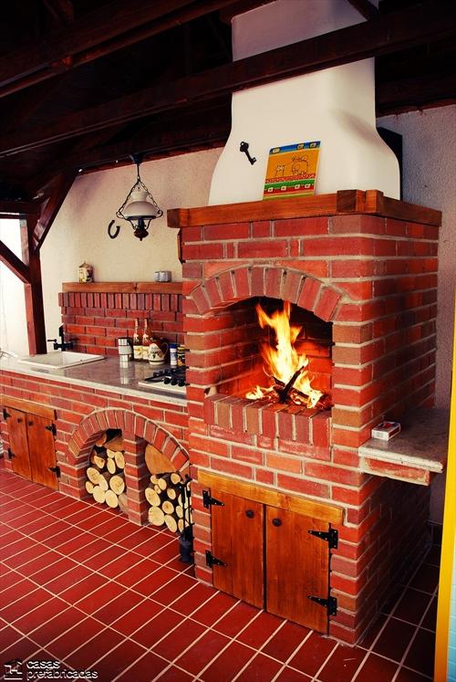 Bellas fachadas que incorporan hornos y cocinas coloniales for Cocinas coloniales modernas