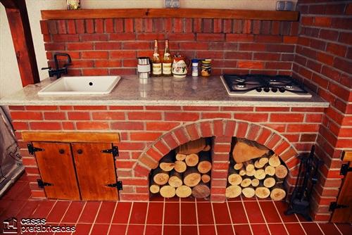 Bellas fachadas que incorporan hornos y cocinas coloniales en sus exteriores (20)