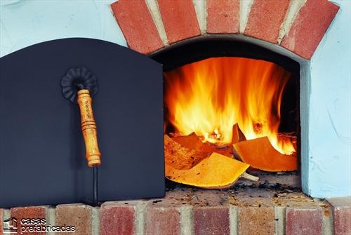 Bellas fachadas que incorporan hornos y cocinas coloniales en sus exteriores (39)