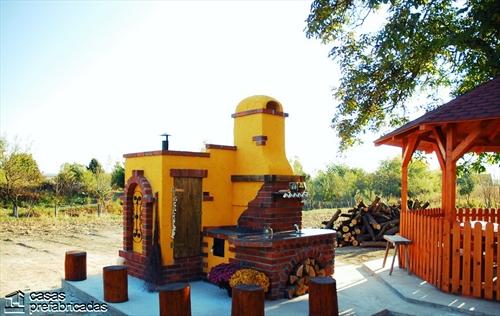 Bellas fachadas que incorporan hornos y cocinas coloniales en sus exteriores (4)
