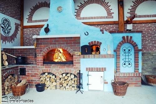 Bellas fachadas que incorporan hornos y cocinas coloniales en sus exteriores (40)