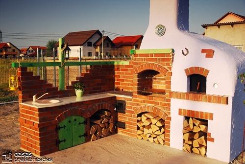 Bellas fachadas que incorporan hornos y cocinas coloniales en sus exteriores (43)