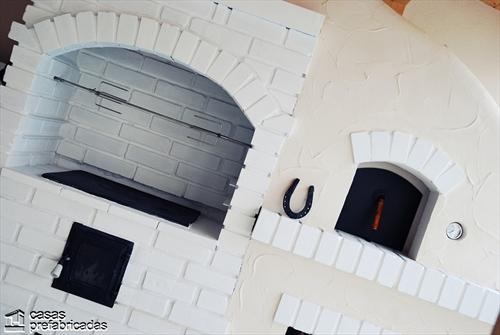 Bellas fachadas que incorporan hornos y cocinas coloniales en sus exteriores (7)