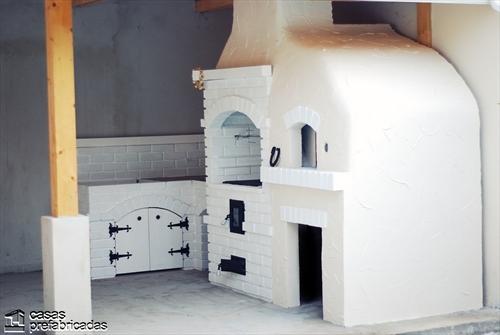 Bellas fachadas que incorporan hornos y cocinas coloniales en sus exteriores (8)