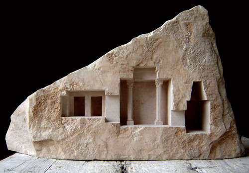 Miniaturas de secciones de templos romanos, basílicas y pasajes escondidos en marmol y piedra natural