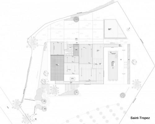 Renovación de fachada en vivienda francesa - Instalación de verjas y parrillas