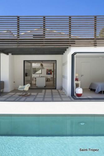 Renovación de fachada en vivienda<script type=