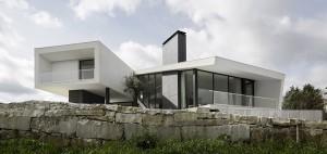 Arquitectos contaminar y su residencia con base triangular - La casa Vidigal (1)