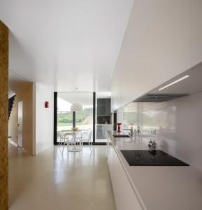Arquitectos contaminar y su residencia con base triangular - La casa Vidigal (7)