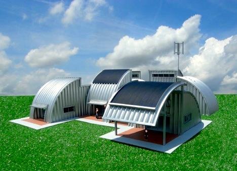 Encima del techo están los paneles solares