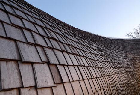El tejado reutilizadoda un aire de casa ecológica