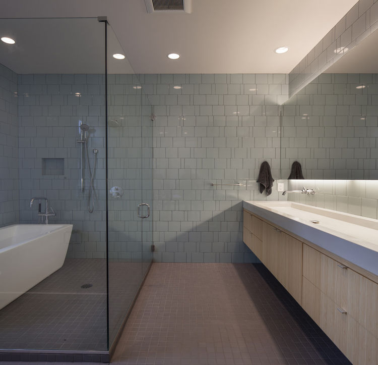 Moderno baño muy bonito