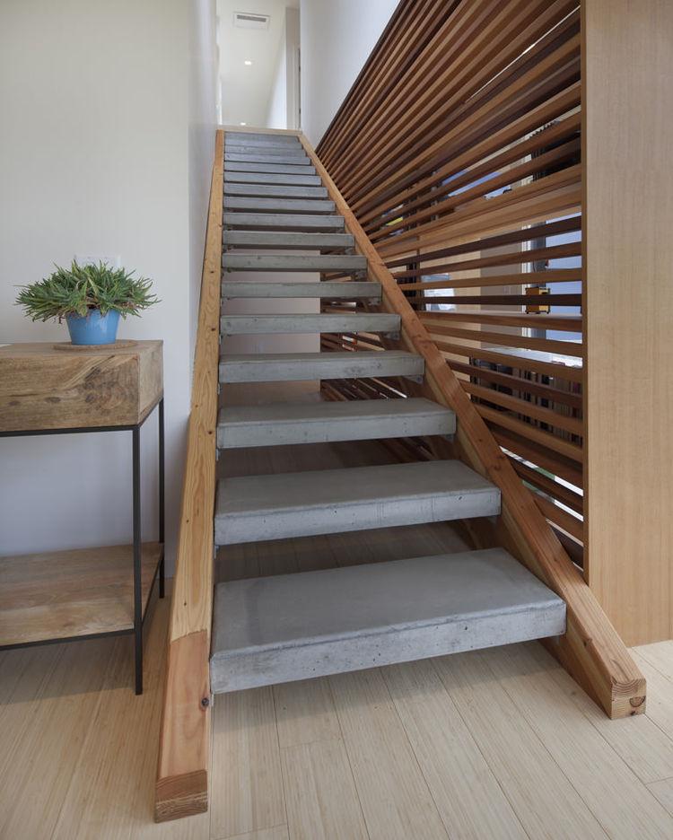 Escaleras naturales y simples