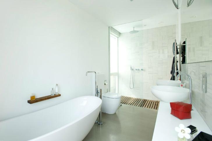un moderno baño