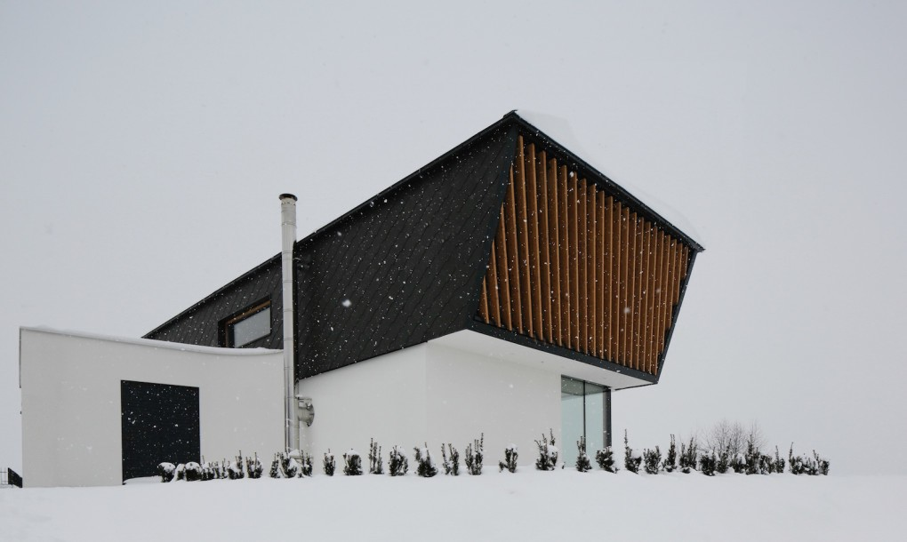 hogar muy blanco y grande